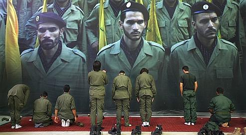 Hezbollah Parades Eight Militants From Prisoner Swap With israel